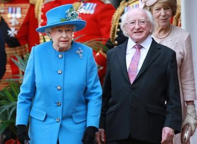 News video: Raw: Queen Welcomes Ireland's Leader to Windsor